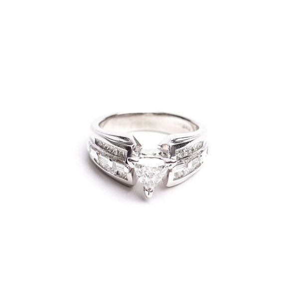 Pre-Owned Diamond Engagement Ring