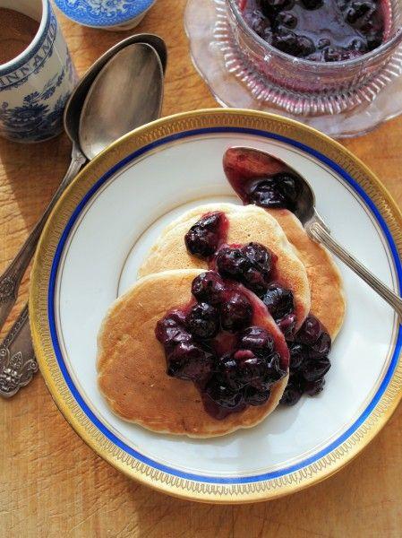#BreakfastWeek | 5:2 Diet Fast Day: Pancakes for Breakfast – Blueberry and Oat Pancakes with Cinnamon Recipe | http://www.lavenderandlovage.com