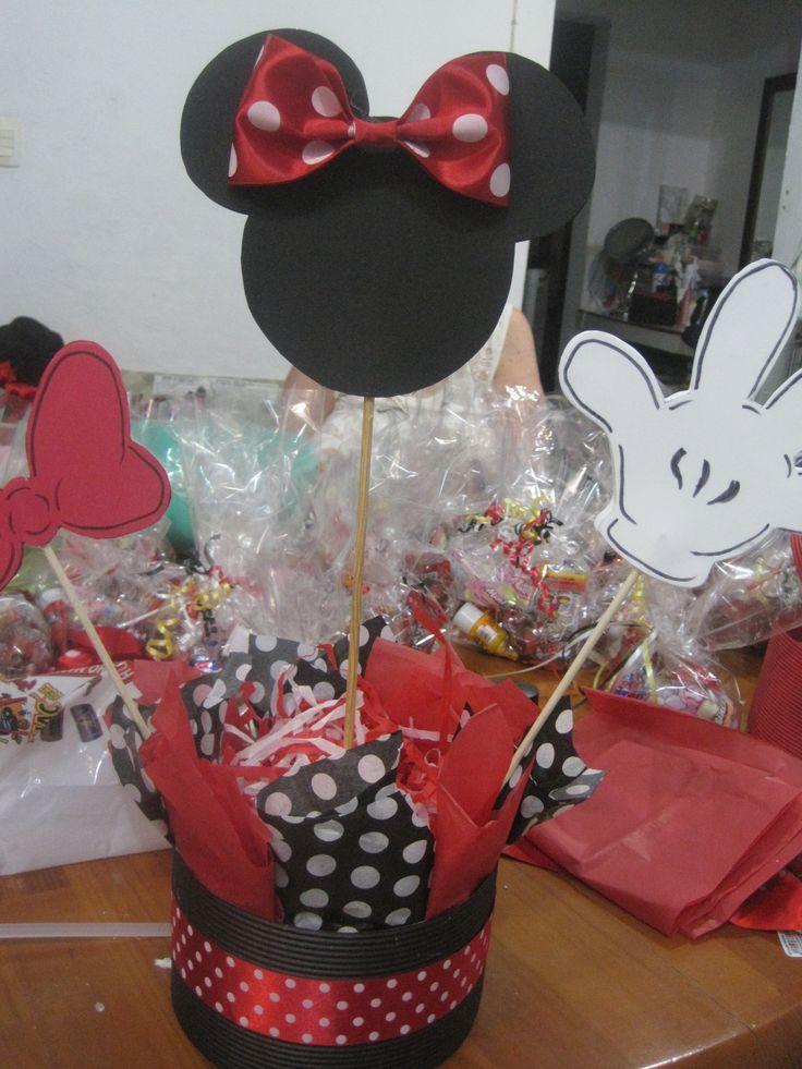 Centro de mesa minnie mouse ideas fiestas party ideas - Baul mesa de centro ...