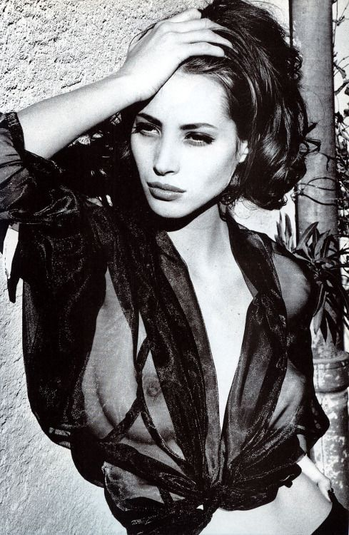 Belladonna - Vogue Italia (1990) Christy Turlington by Ellen von Unwerth: