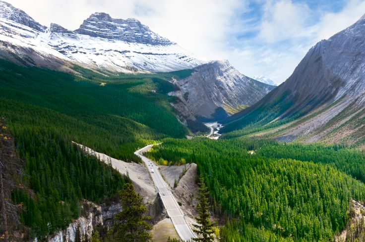iStock-Icefields-Parkway-Canadian-Rocky-Mountains.jpg (849×565)