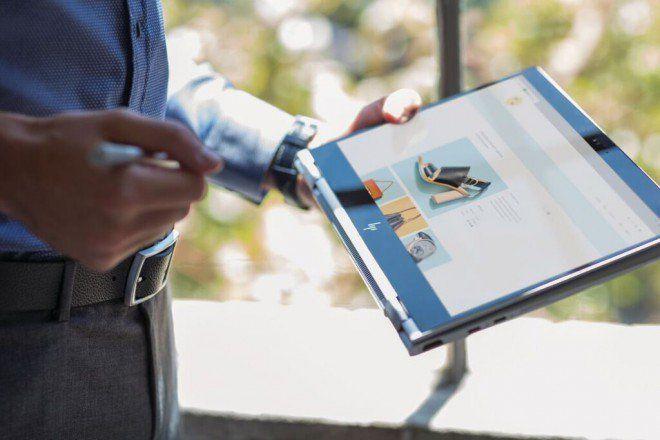 HP presenta ultrabook e 2-in-1 della gamma top EliteBook https://www.sapereweb.it/hp-presenta-ultrabook-e-2-in-1-della-gamma-top-elitebook/        Giornata di annunci importanti, oggi, per HP: la società ha infatti presentato i nuovi dispositivi della sua gamma top per professionisti Elite. Abbiamo visto poco fa l'All-in-one EliteOne 1000, mentre qui ci occupiamo dei dispositivi portatili.  HP EliteBook  EliteBook 1040 G4:...