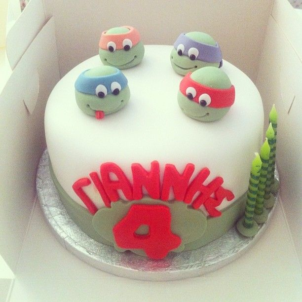 #ninjaturtlescake #cakes #decoratedcakes #sugarpaste #buttercream #vanilla #chocolatemudcake #baking #ninartcreations
