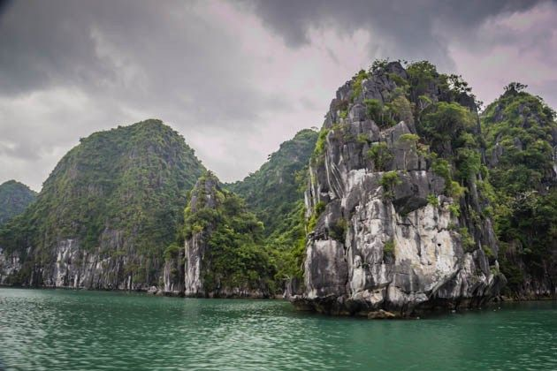 How To Choose a Halong Bay Cruise |Divergent Travelers