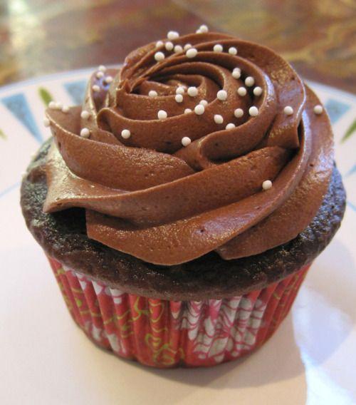 Συνταγή για κρέμα ζαχαροπλαστικής σοκολάτα!
