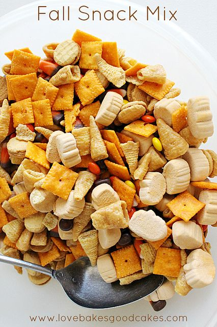 Fall Snack Mix | Love Bakes Good Cakes