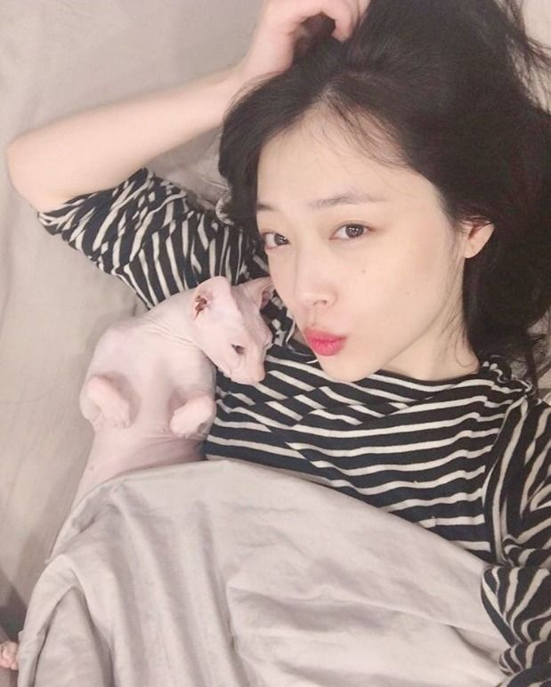 Sulli Shares with Fans and Update on Her Condition | Koogle TV