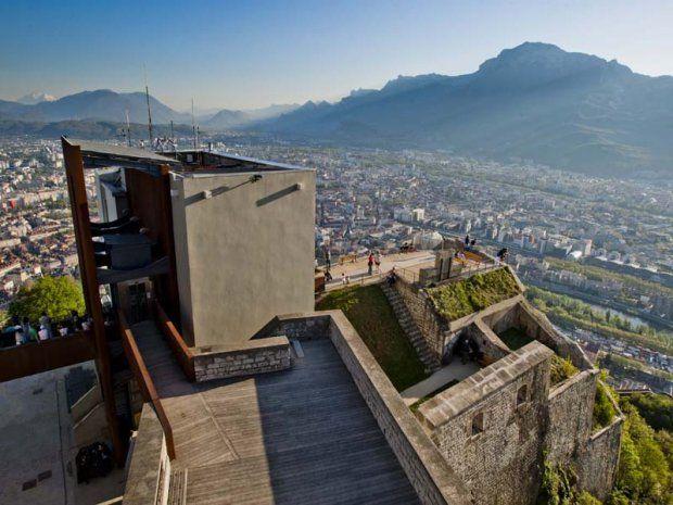 #france #франция #grenoble #гренобль #чтопосмотреть #чтопосетить #достопримечательности #бастилия #крепости Крепость в Гренобле. Гренобль - плоский город среди гор | Oh!France: поездка во Францию