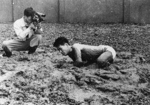 shiraga kazuo >> Arte e performance nel Giappone del Dopoguerra: ecco a voi il Gruppo Gutai!