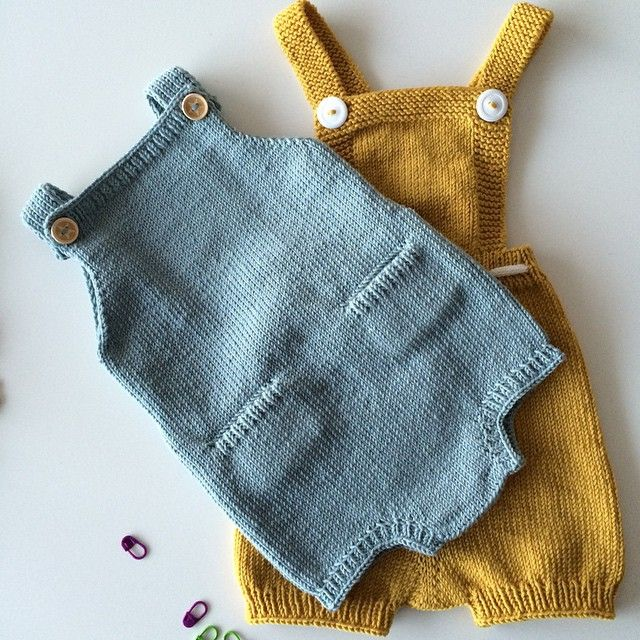Texture is a great thing to think about when choosing an outfit for your shoot & anything knit is a pretty awesome way to add it. (*Sidenote: If they made these knit overalls in my size, I would own at least 3 pairs.)