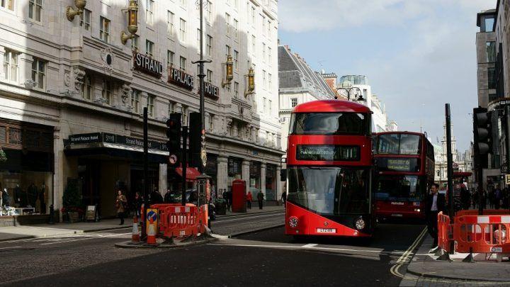 Route 11 autobusom, s najlepšími výhľadmi v Londýne, Anglicko, Veľká Británia