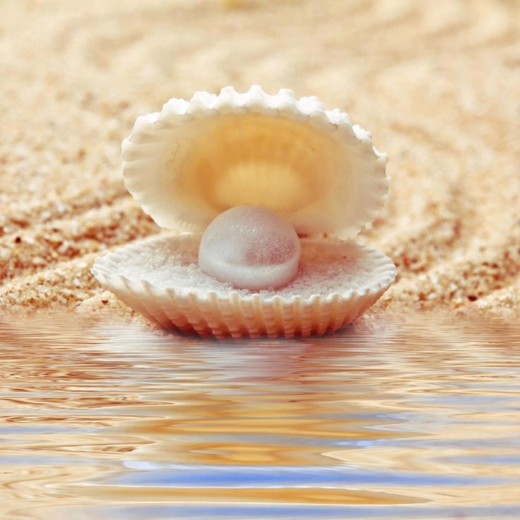 Pearls - the birthstone of June! They make me so happy! I have a collection going, just pearls of all sizes and colors with no holes poked in them. Holding them and looking at them helps me think about things... Helps me remember things too... Just good things.