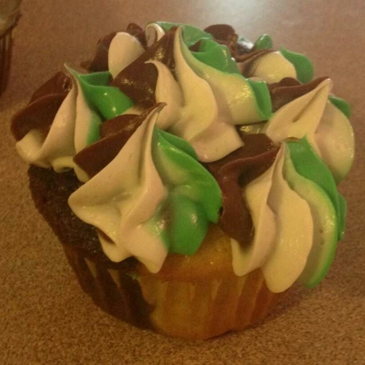 Camo Cupcakes Finished