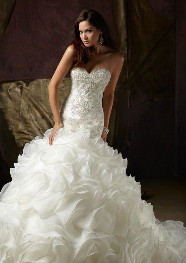 Discover The Angelina Faccenda 1241 Bridal Gown Find Exceptional Gowns At Wedding Shoppe