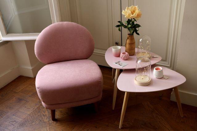 Les 25 meilleures id es de la cat gorie fauteuil rose sur - Table basse rose ...