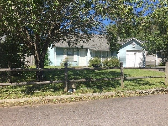 $87,550 # 300498426 - 1 photos - 3 bedrooms - 2 bathrooms -1327 sq. ft. - Year Built: 1987 - North Charleston SC. Estimated value: $116,600 In addition to information on real estate listing, research local schools, professionals and home values. This property is listed as either a foreclosed home for sale or as a property currently in the process of foreclosure.