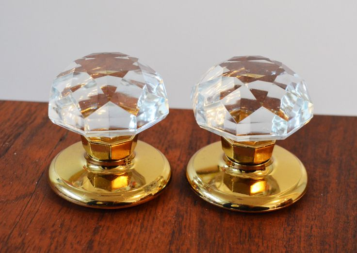 Set of 2 Crystal glass doorknobs, for Bi-fold door (no turn), brass gold base, Gainsborough Sonata style made in Australia by Trashtiques on Etsy https://www.etsy.com/ca/listing/486795877/set-of-2-crystal-glass-doorknobs-for-bi