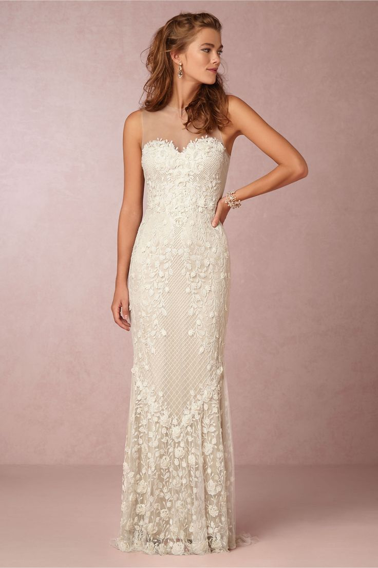 124 best Wedding dress | Feathers, Florals and Dots images on ...