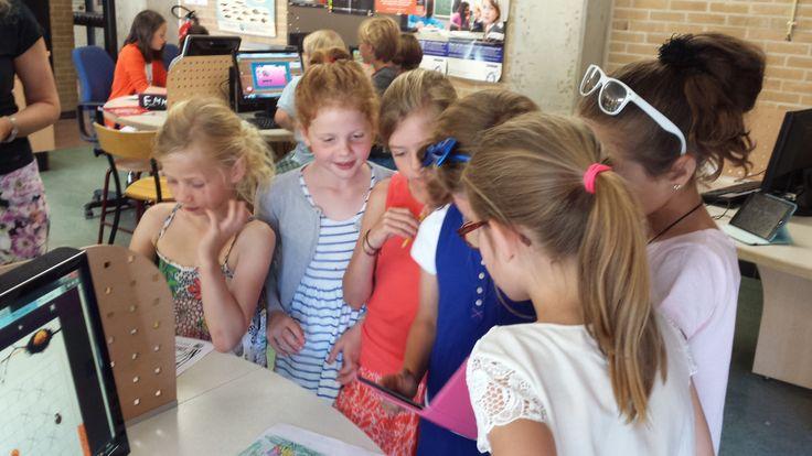 CodeKinderen les op de Hildebrand van Loon School in Amsterdam. 13 juni 2014