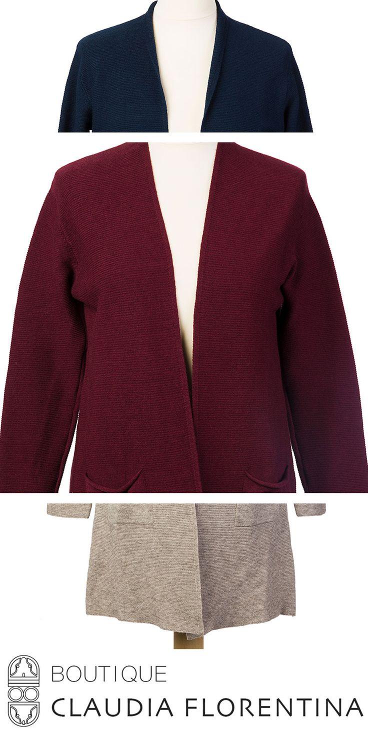 Pulover 'cardigan' pe www.claudiaflorentina.com  Descopera intreaga colectie de haine si alege stilul si culoarea preferate!
