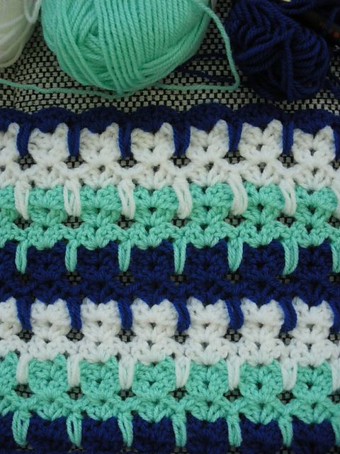 Ravelry:Abstract Crochet Cats pattern not to mention it would make a great baby blanket! ✿Teresa Restegui http://www.pinterest.com/teretegui/✿