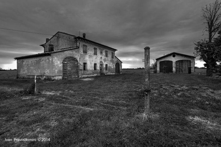 Land romagnolo, Cesena, Italia. Passione BW :-)  Ivan Previsdomini © 2014