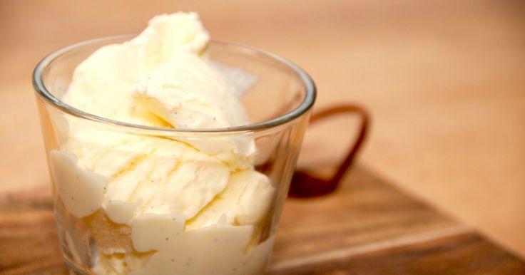 Cremet is med kondenseret mælk