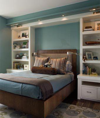 Фунциональные встроенные шкафы в спальне