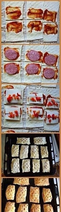Ciasto francuskie z nadzieniem (sos pomidorowy, salami, ser, kawałki papryki)