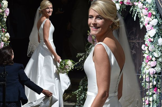 First pictures of Declan Donnelly's bride Ali Astall in stunning fairytale dress arriving at wedding - 3am & Mirror Online
