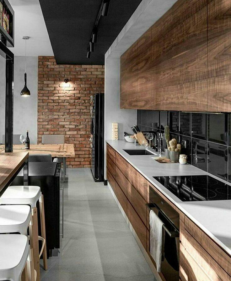 Cuisine style industriel bois veilli, brique, noir, blanc