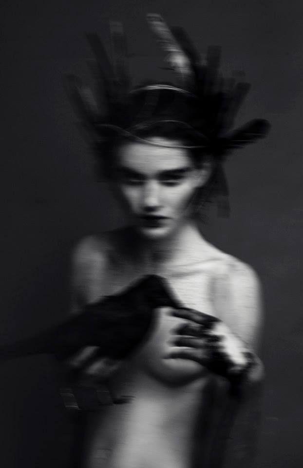 ANTHOLOGIE NOIRE             – michaelfaudet:   Evelyn Bencicova photography