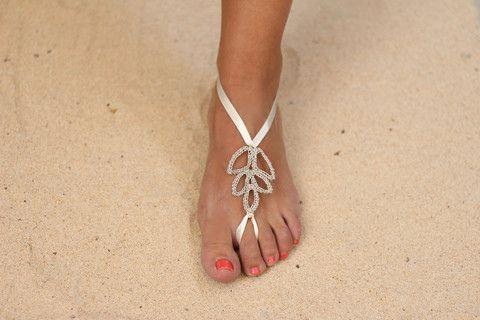 "Beautiful Barefoot Sandals Jewelry, perfect for weddings at the beach for the bride or guests! ...or ideal to customize shoes.  Sandalia Joya pies descalzos, perfecto para bodas en la playa para novia o invitada! ...ideal también para ""costumizar"" sandalias."