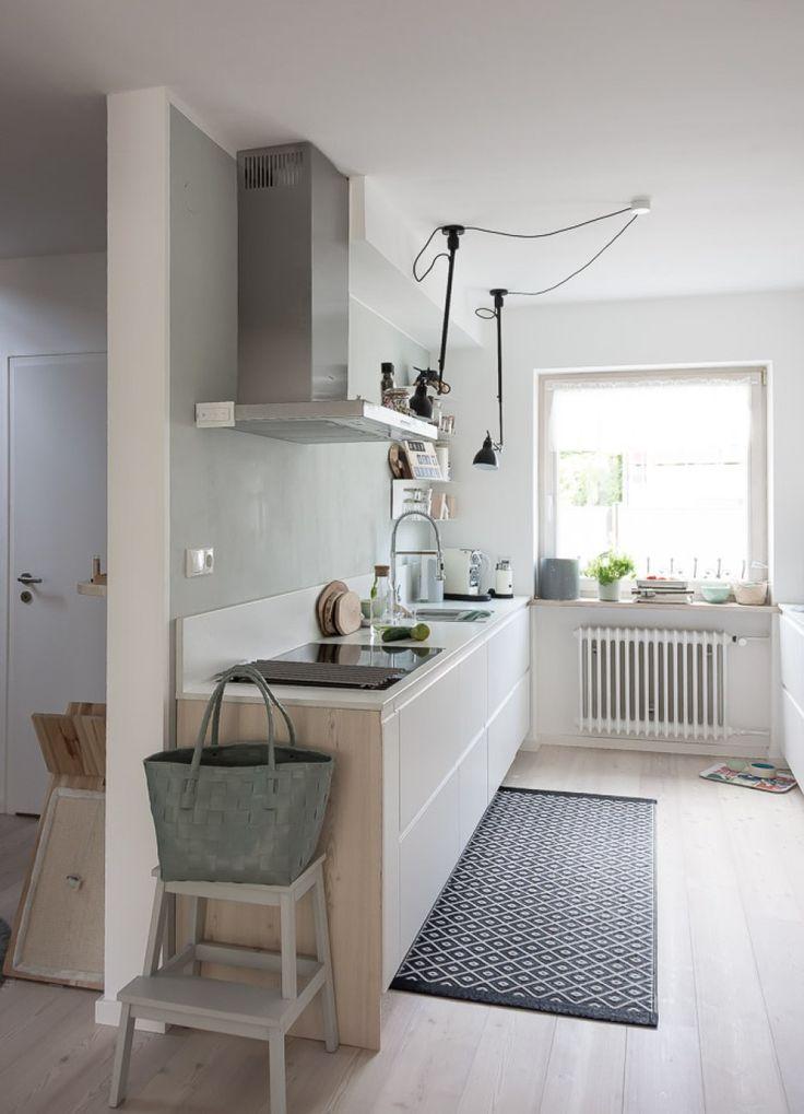 offene Küche im Reihenhaus   Küche grifflos - Küche weiß matt - Küche einrichten -  Reihenhaus renovieren