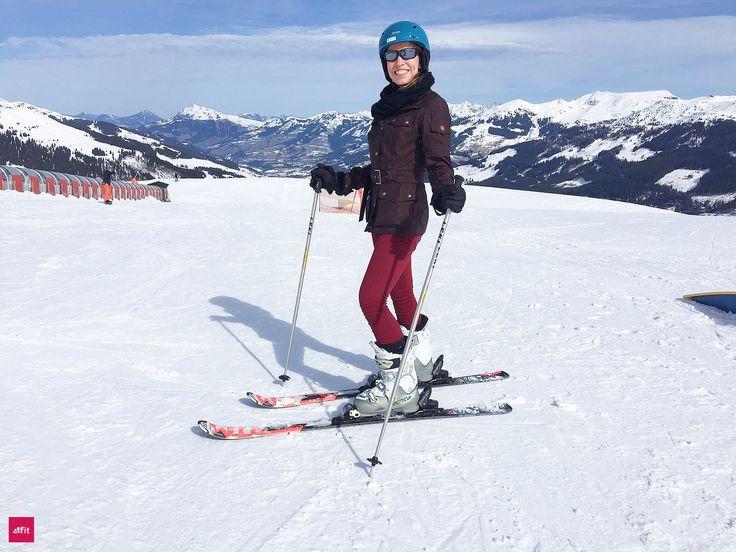 Das erste mal Skifahren ! Abfahrt ! Es sich rede schnell !! Was hier so lustig und entspannt auf dem Foto aus sagen sagt, begann mit Angst und Schrecken! Lese alles auf dem Blog! Wie war deine erste Skierfahrung?  Kitzbühel-skigebiet-wetter