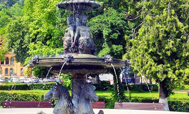 Parcul Rudolf din Brasov face parte din categoria obiectivelor turistice cele ma ...  Rudolf Park of Brasov is part of the oldest landmarks of the city. Rudolf park  ... MORE DETAILS HERE
