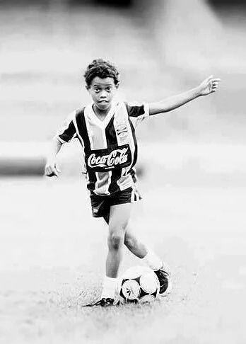 jizuluvs sports: Football legend Ronaldinho officially retires from international football; his career in brief