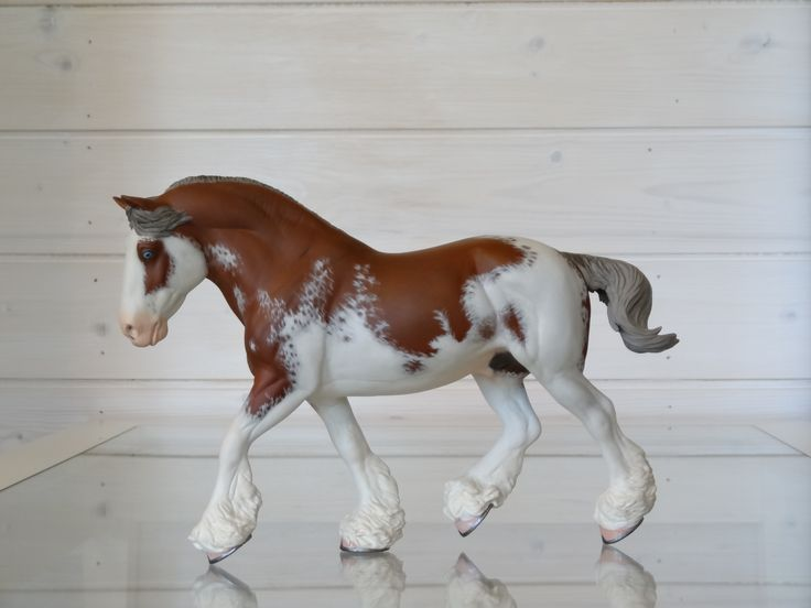 2017. Customized Breyer Traditional size model horse Shannondell. Custom by Zane Lahdenranta (Frosty Birch Studio).
