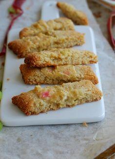 Healthy rhubarb cookies (nu gluten or sugar added) - Somriga Rabarbersnittar (hälsosamma, glutenfria, inget tillsatt socker)