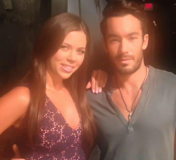 Ximena Duque y Aaron Diaz en Santa Diabla!