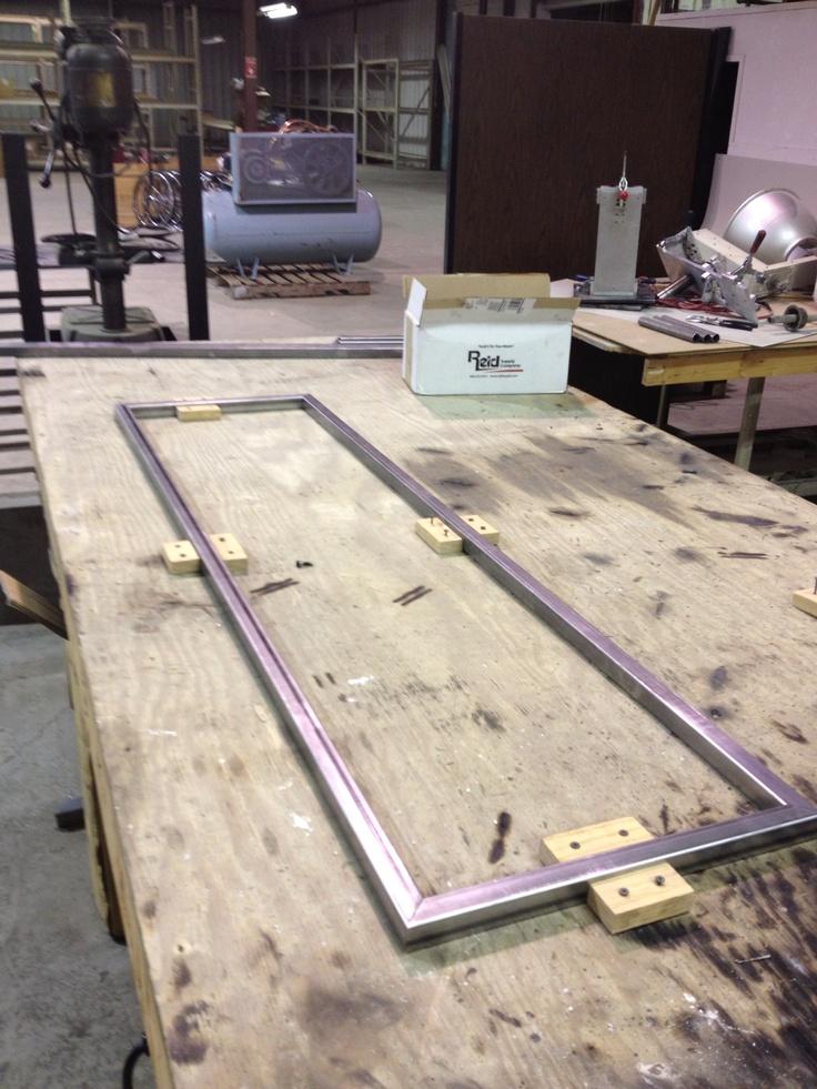 Frame setup beer en 2019 muebles de metal muebles de for Muebles industriales metal baratos