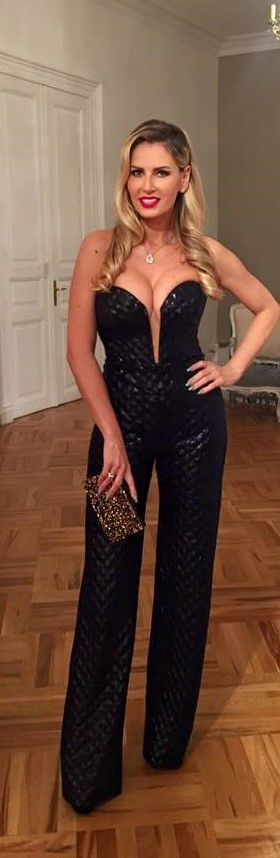CRISTALLINI #EveningStyle #Jumpsuit #RedCarpet