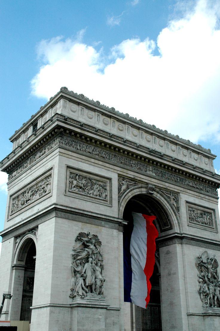 L'Arc de Triomphe, cinquantieme anniversaire de WW2