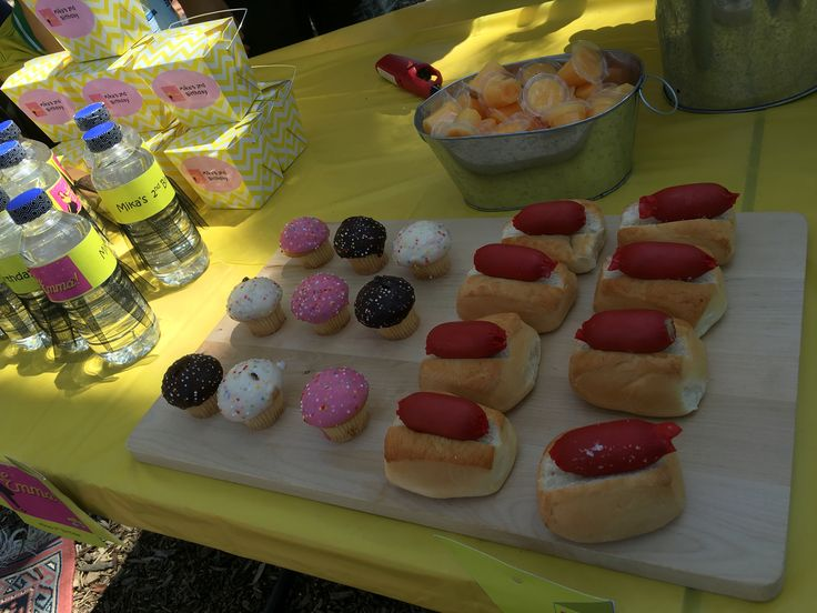 Cup cakes and Mini Hot dog