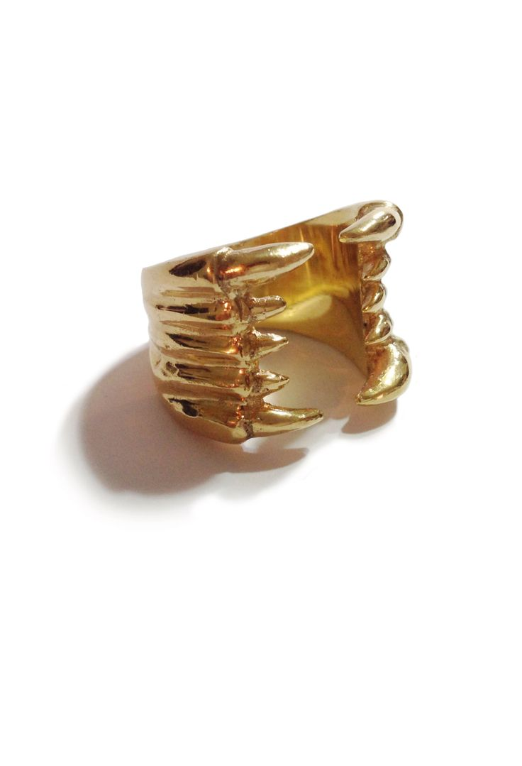 Golden Claw Ring - Joyería ecosostenible  - eco-sustainable - ecological jewelry - www.facebook.com/lecat.accesorios - Instagram: @lecat_jewelry - Colombia.