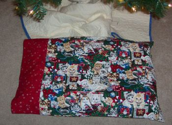 How to Make a Standard Size Pillow Case / How to Sew your own Pillow Case & 53 best Pillow case sewing ideas images on Pinterest | Sewing ... pillowsntoast.com