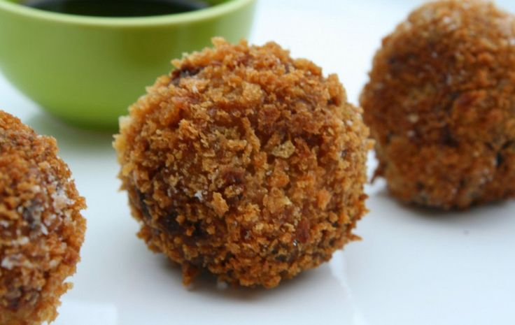 <p>These crispy kabocha squash croquettes would make a perfect appetizer or light lunch!</p>