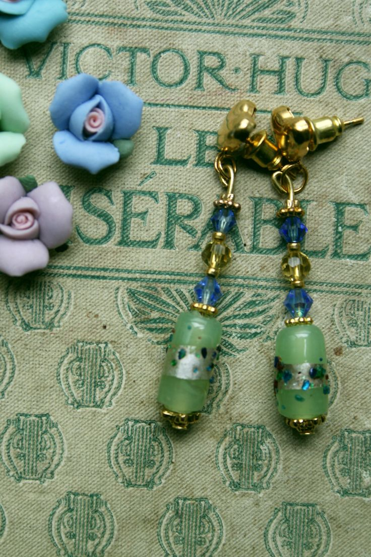 Earrings with crystal and glass beads
