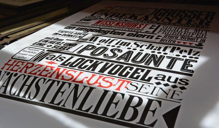 Das Reformationsjubiläum 2017 kann kommen. Wir haben wunderschöne Plakate mit Luthers Wortschöpfungen gedruckt. Zusammengestellt aus historischen Holzlettern und an eine Andruckpresse aus unserer Sammlung gedruckt. #letterpress # Buchdruck  /// Foto: Museum für Druckkunst Leipzig