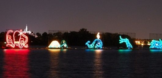 The Electrical Water Pageant can be seen nightly in resort areas of the Seven Seas Lagoon and Bay Lake near the Magic Kingdom theme park at Disney World.   http://www.buildabettermousetrip.com/electric-water-pageant  #ElectricWaterPageant